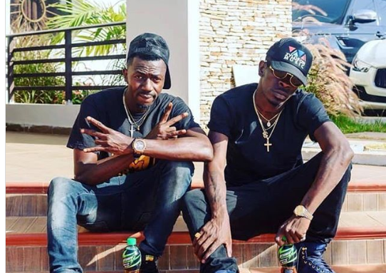 Shatta Wale Storms Joint 77's House With Police to Seize The Car He Bought For Him