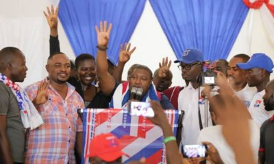 NPP Youth Organizer Caught Campaigning In Senior High Schools In Kumasi (Photos)