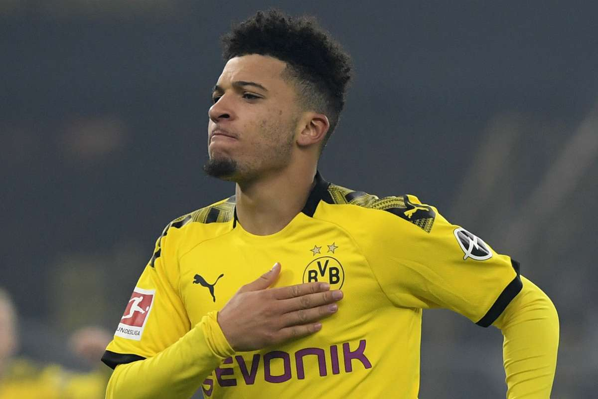 OFFICIAL: Manchester United Signs Sancho From Dortmund; Video Drops